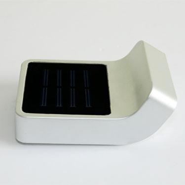 ソーラーシェードウォールライト